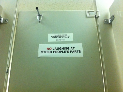 funny-bathroom-signs-5